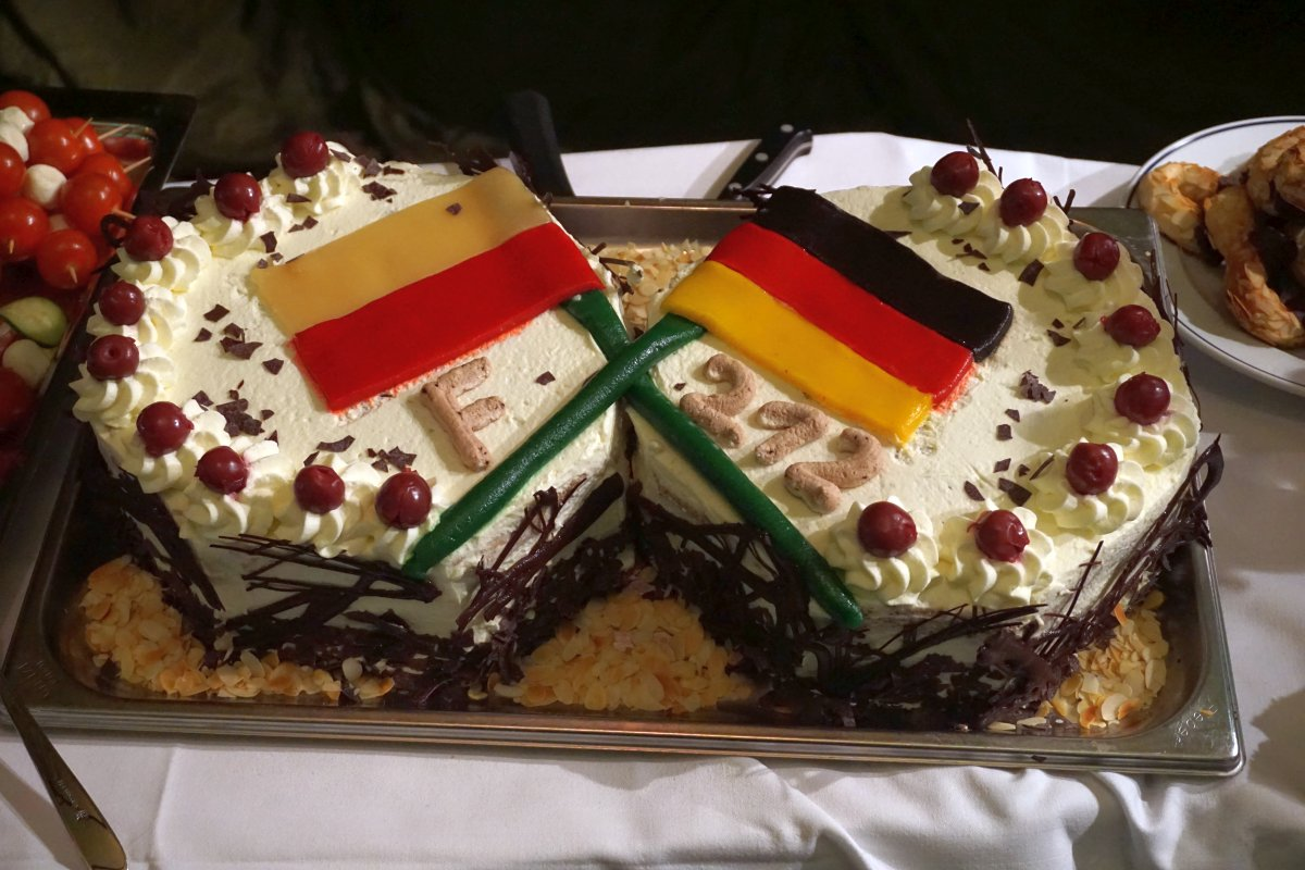 Name:  161021 SA606989 Neufahrwasser deutsch-polnische Torte.jpg Hits: 216 Größe:  211.4 KB