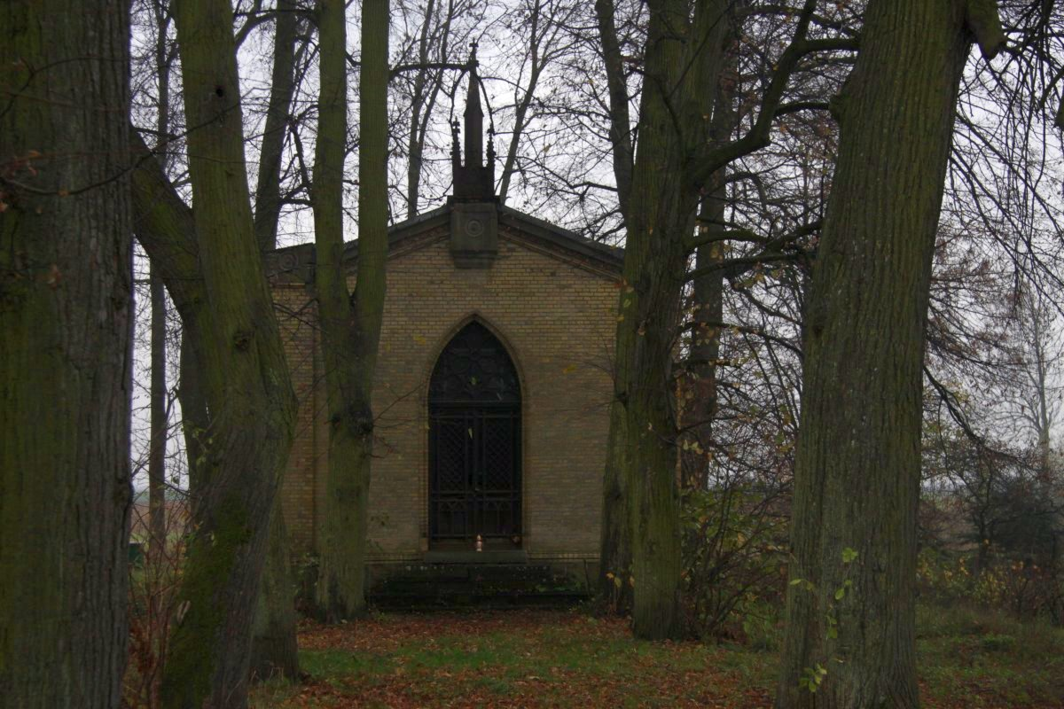 Name:  20131102 C22338 Fuerstenwerder ev Friedhof.jpg Hits: 312 Größe:  236.3 KB