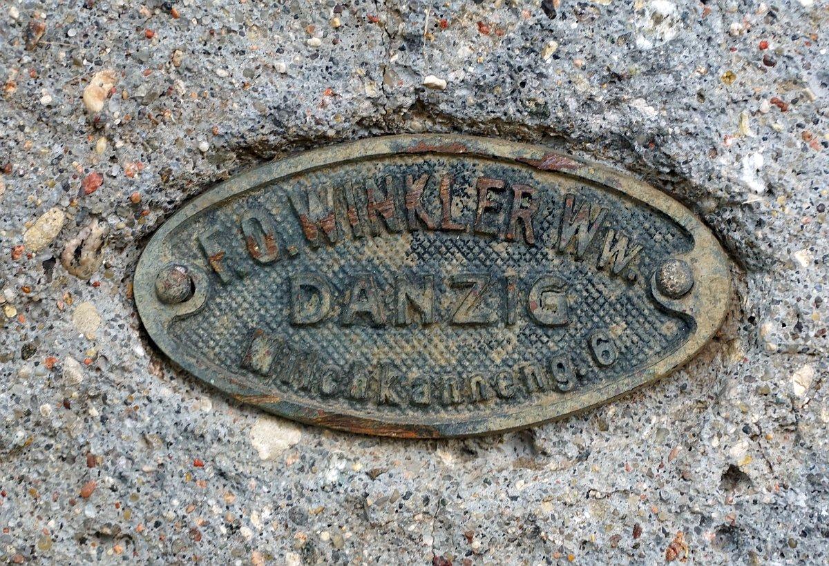 Name:  190610 SA616411 Fuerstenwerder ev Friedhof Grabstein Steinmetzbetrieb Winkler Danzig.jpg Hits: 330 Größe:  372.5 KB