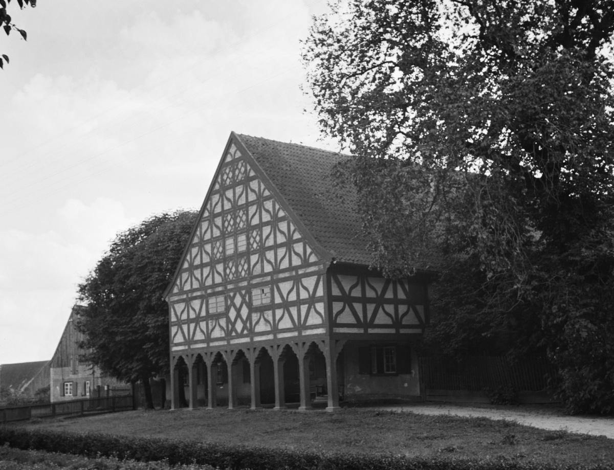 Name:  Herzberg - Vorlaubenhaus.jpg Hits: 342 Größe:  349.7 KB