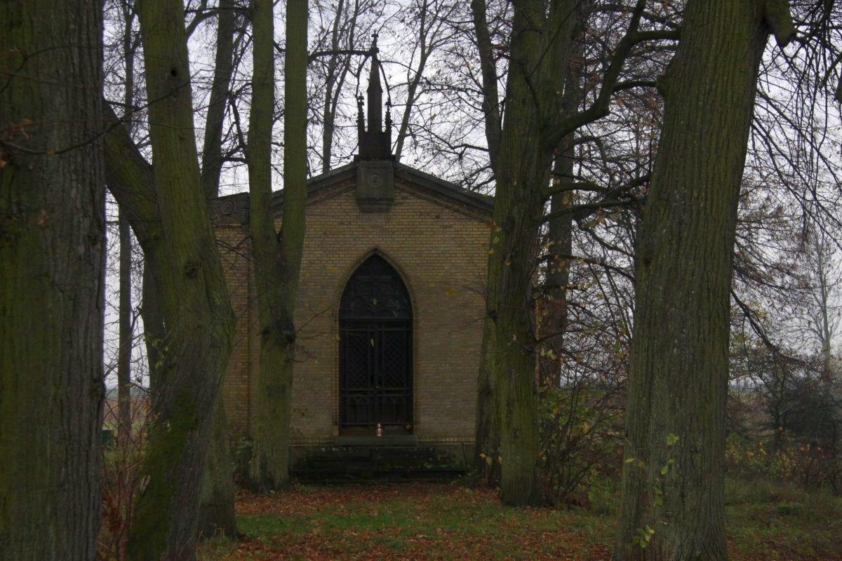 Name:  20131102 C22338 Fuerstenwerder ev Friedhof.jpg Hits: 252 Größe:  236.3 KB