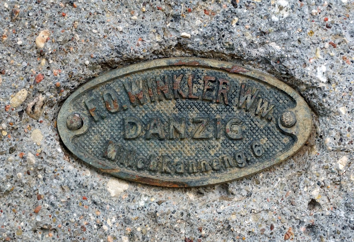 Name:  190610 SA616411 Fuerstenwerder ev Friedhof Grabstein Steinmetzbetrieb Winkler Danzig.jpg Hits: 83 Größe:  372.5 KB