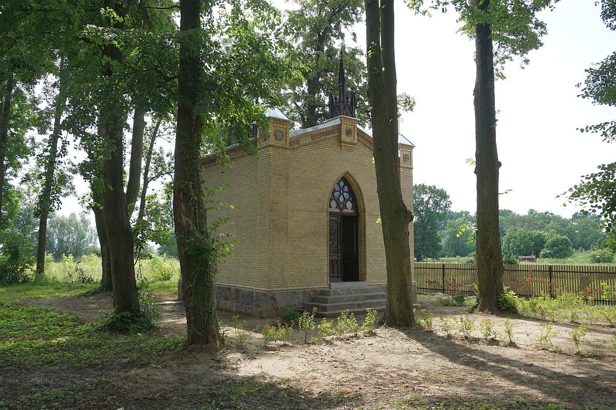 Name:  190610 SA616430 Fuerstenwerder ev Friedhofskapelle.jpg Hits: 246 Größe:  400.7 KB