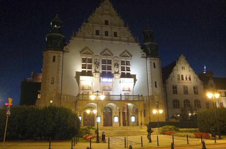 Name:  dscf1958a-Das Collegium Minus der Adam-Mickiewicz-Universität.jpg Hits: 381 Größe:  77.0 KB