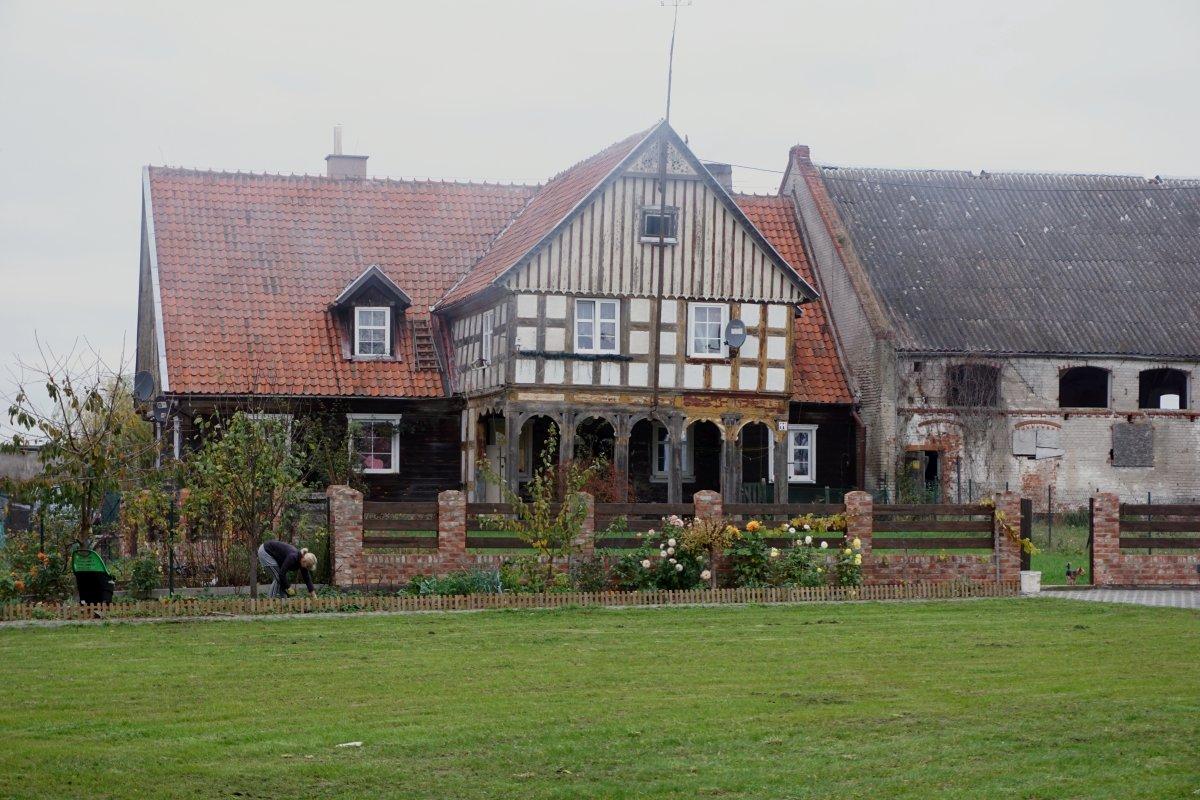 Name:  201108 SA609725 Orloff Vorlaubenhaus.jpg Hits: 140 Größe:  250.6 KB