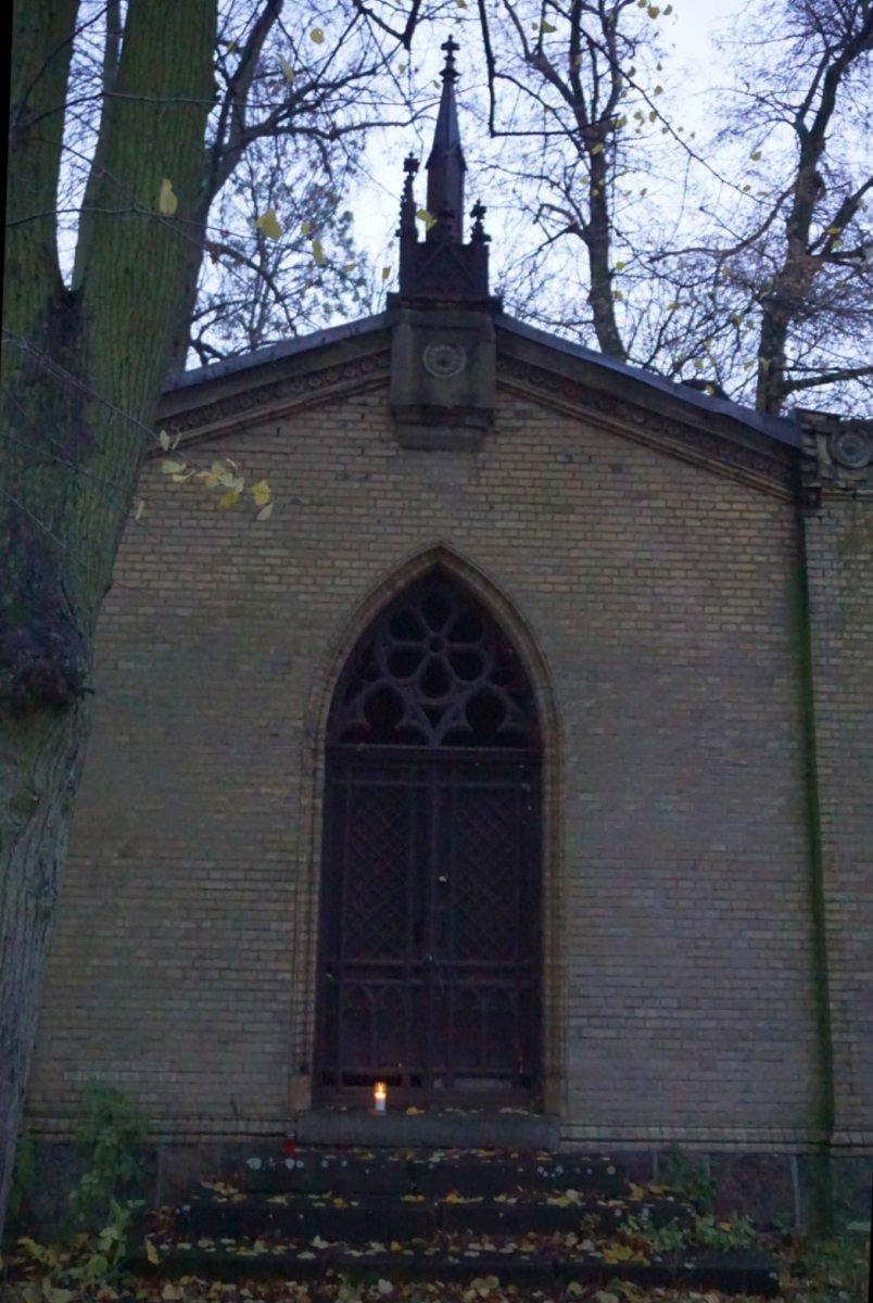 Name:  161101 SA607320 Fuerstenwerder Friedhof.jpg Hits: 159 Größe:  162.5 KB