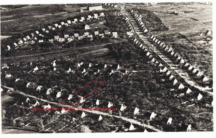 Name:  Luftaufnahme_Zigankenberg_markiert.jpg Hits: 479 Größe:  142.5 KB