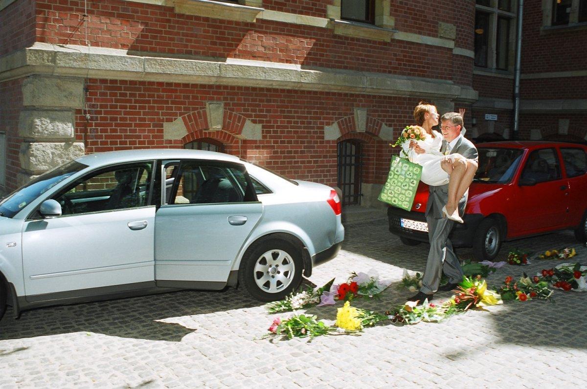 Name:  Hochzeit.jpg Hits: 118 Größe:  217.8 KB