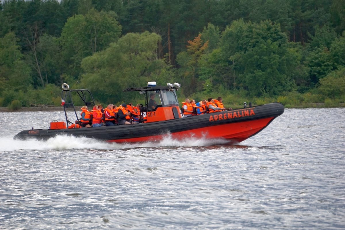 Name:  180815 SA614061 Motorbootfahrt auf der Weichsel bei Nickelswalde.jpg Hits: 215 Größe:  248.9 KB