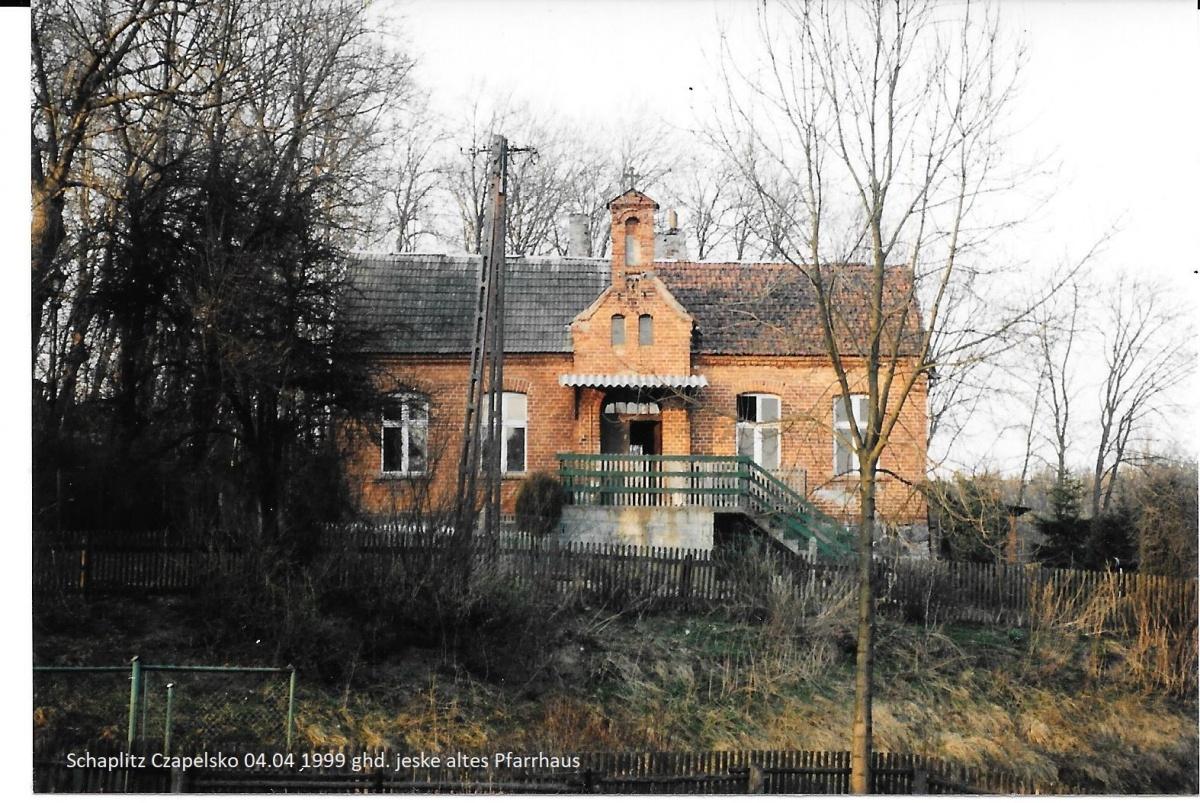 Name:  Schaplitz Czapelsko 04.04 1999 ghd. jeske altes Pfarrhaus.jpg Hits: 789 Größe:  453.8 KB