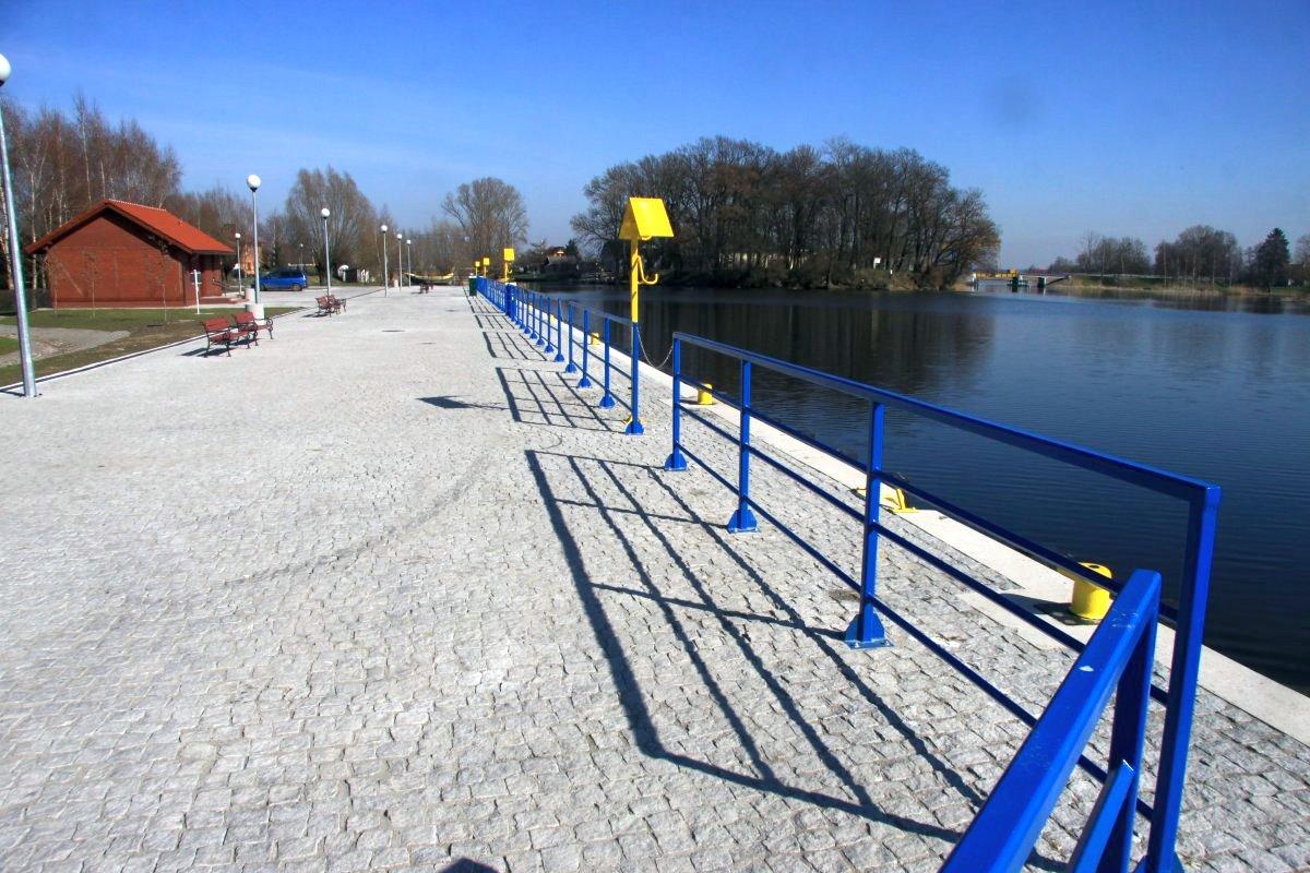 Name:  20140330 C23763 Fischerbabke Jachthafen.jpg Hits: 139 Größe:  226.3 KB