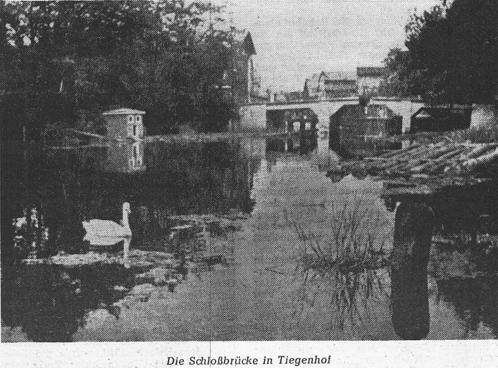 Name:  UD 19582111 Tiegenhof Schlossbruecke.jpg Hits: 933 Größe:  493.3 KB