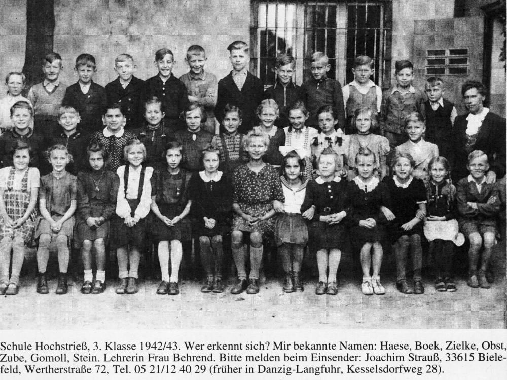 Name:  UD 19980133 Langfuhr-Hochstriess 1942 Foto Klasse 3.jpg Hits: 2070 Größe:  170.8 KB